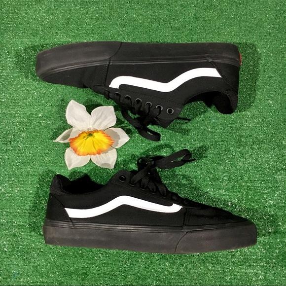 Vans Old Skool Lo Top Classic Skate black sneaker
